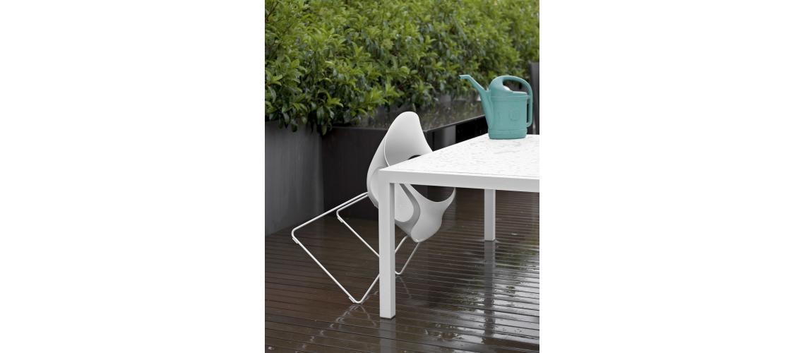 tafel Sushi outdoor Elephant chair outdoor Kristalia